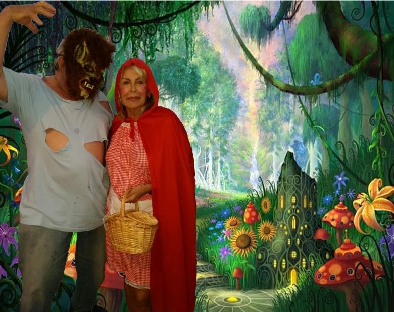 Cisco y M.Carmen en el bosque encantado.