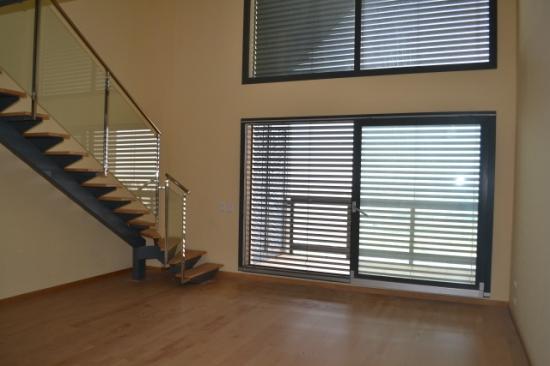 Oficina-Loft-en-Edificio-Crea-Burjassot2